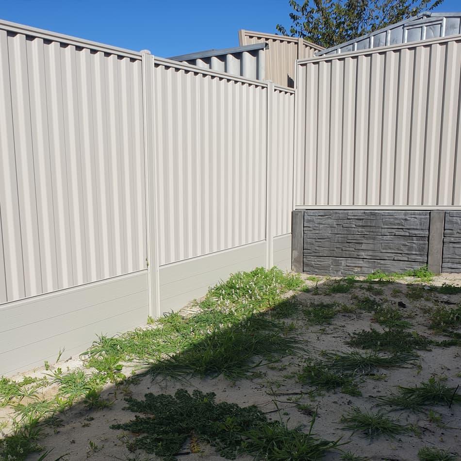 Aluminium Plinth Retaining Corner